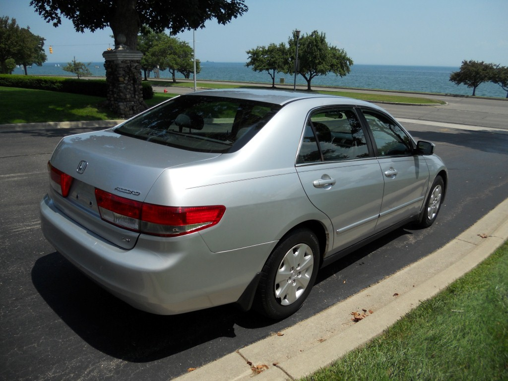Sell Used 2003 Honda Accord Lx 4 Cyl Sedan 4 Door 5 Speed